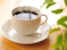 朝起きてすぐにコーヒーを飲んでもいいですか?